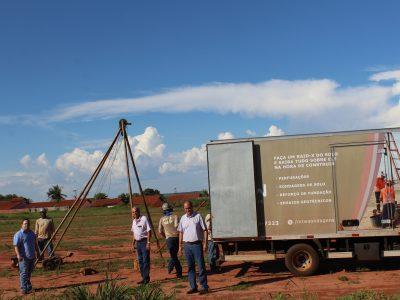 Início da sondagem de solo para a construção dos prédios habitacionais pela COHAB Minas, em Santa Vitória