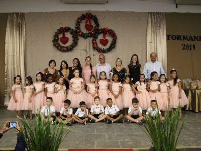 Emoção e alegria marcam Cerimônia de formatura da Educação Infantil da Escola Municipal Geraldo Ribeiro