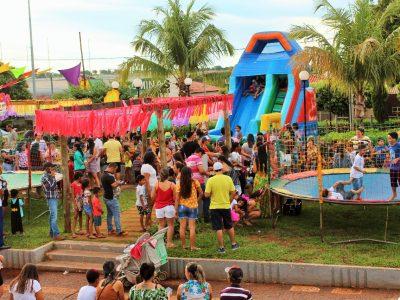Prefeitura de Santa Vitória realiza Matinê de Carnaval para a criançada na tarde de segunda-feira (53)